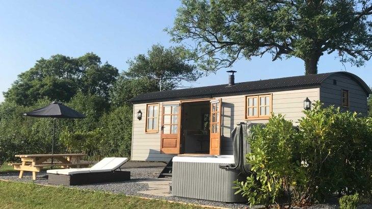 Dreamhuts-Retreat-Devon-Holiday-Village