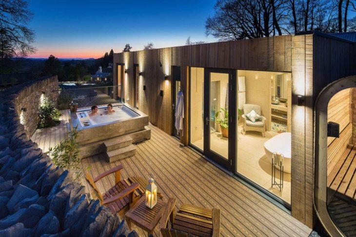 Gilpin-Hotel-Spa-Lodges-hot-tub-sauna